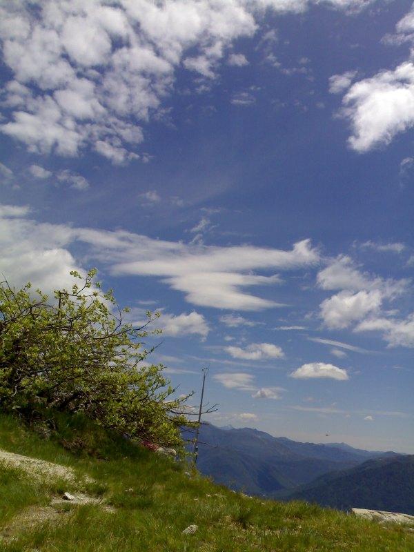 Descrizione: http://www.meteoghiffa.it/Foto/Lenticolari.jpg